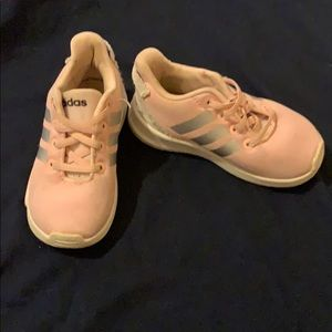 Toddler shoes size 6K great condition